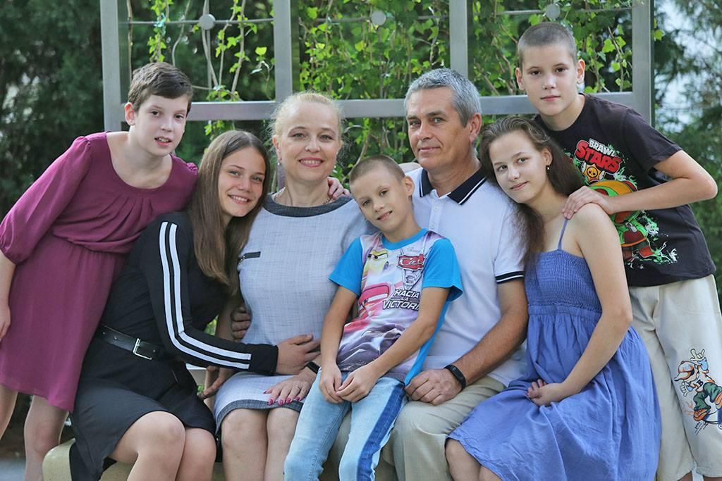 семья Белоусовых